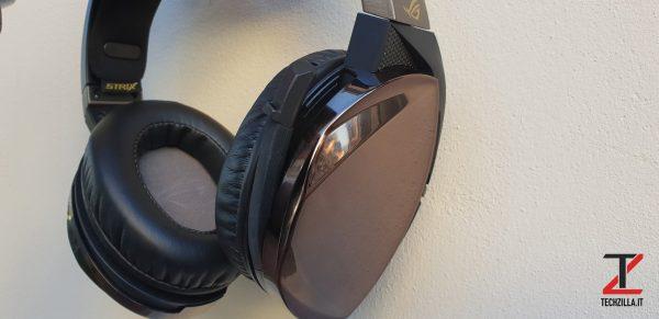 Asus ROG Strix Fusion 700 microfono 2