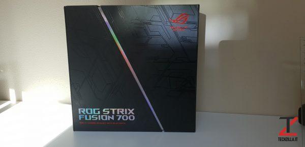 Asus ROG Strix Fusion 700 scatola