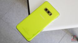 Samsung Galaxy S10e design