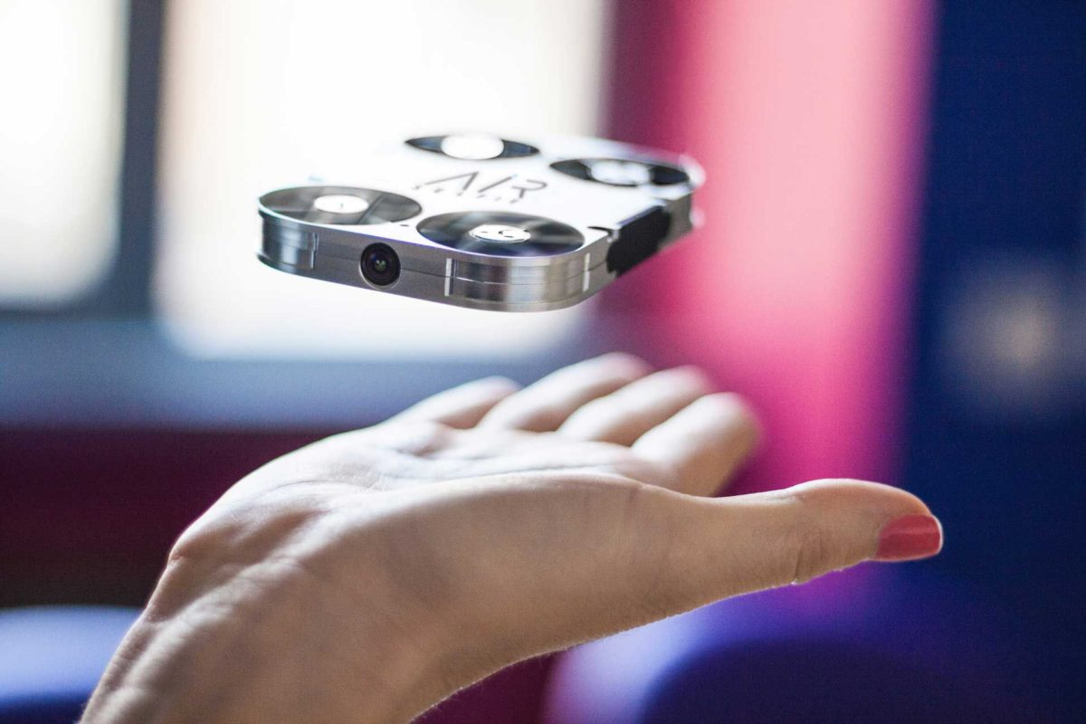 airselfie drone italiano scattare selfie volanti v5 31709