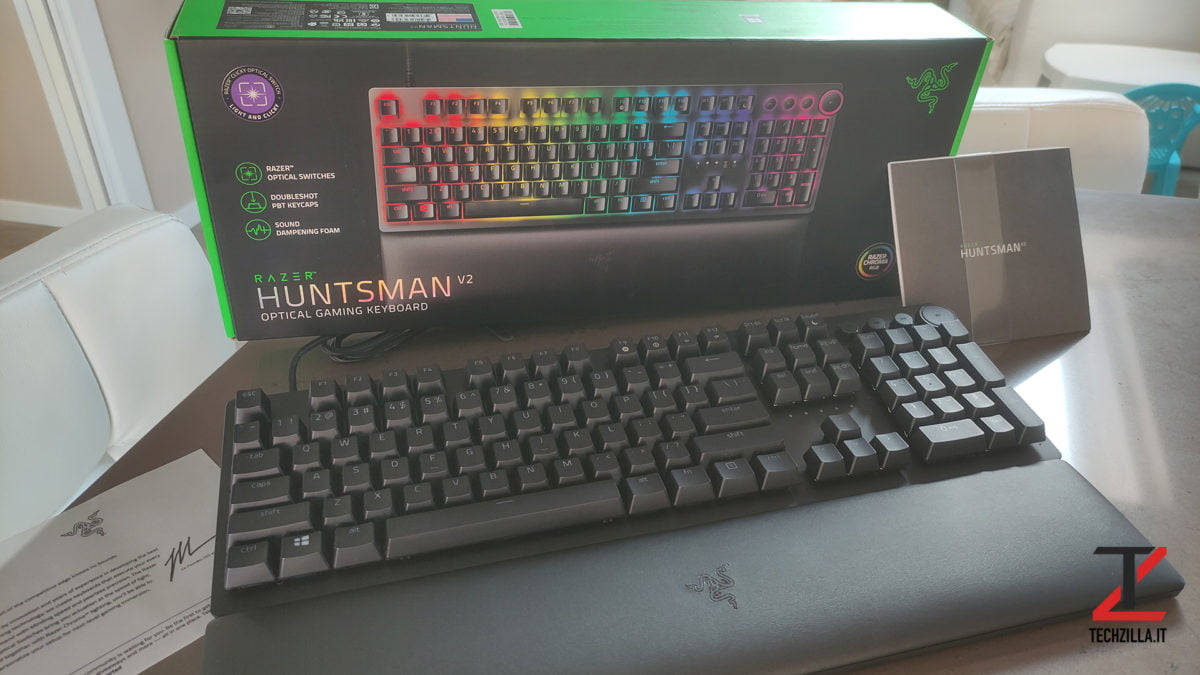 Nuova Razer Huntsman V2 confezione